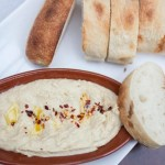 Hummus and toasted bread